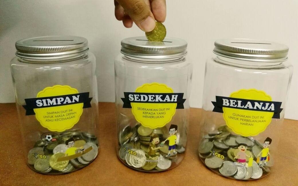 tabung duit dalam kita bijak menabung oleh myceo simpan belanja dan sedekah