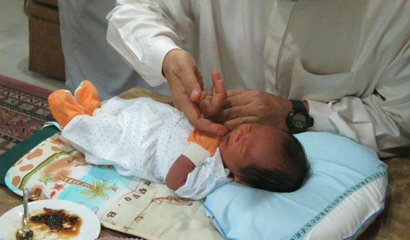tahnik beri kurma jangan bagi madu pada bayi 2