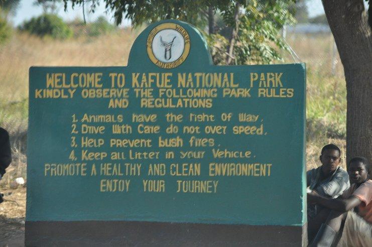 taman negara kafue papan tanda selamat datang