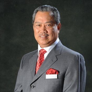 tan sri muhyiddin yassin menteri dalam negeri malaysia