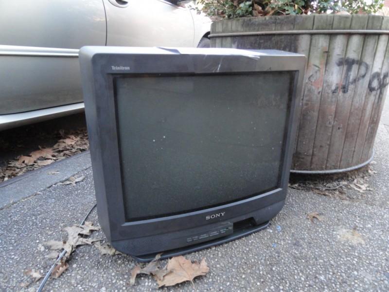 televisyen besar