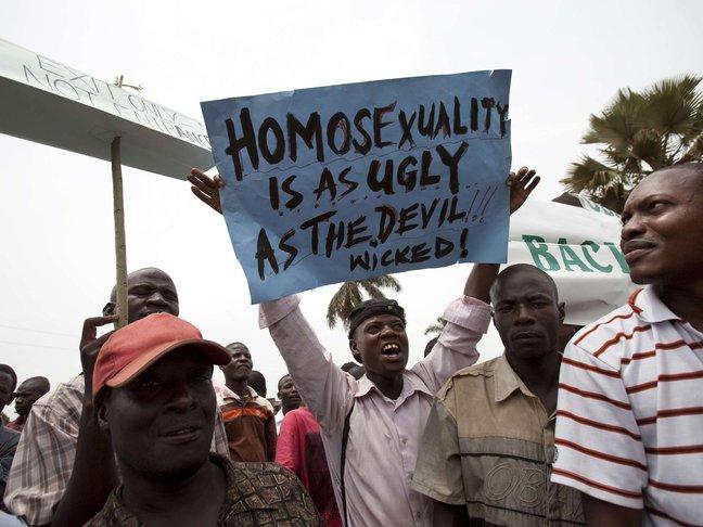 tentangan lgbt di uganda