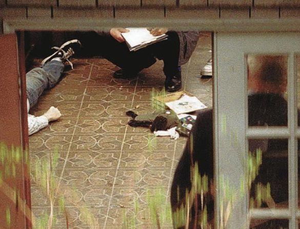 teori dakwaan bahawa kurt cobain dibunuh dan bukan bunuh diri 2