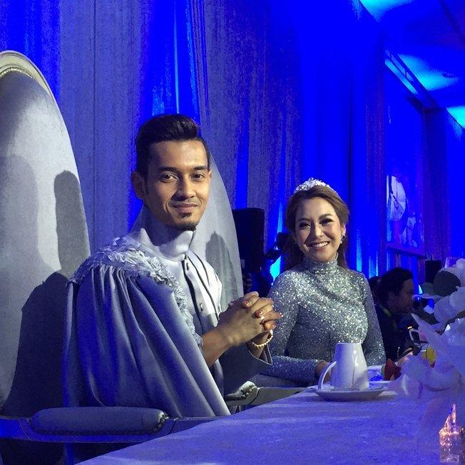 terlajak romatik foto foto majlis resepsi perkahwinan raf yaakob dan mawar rashid 6