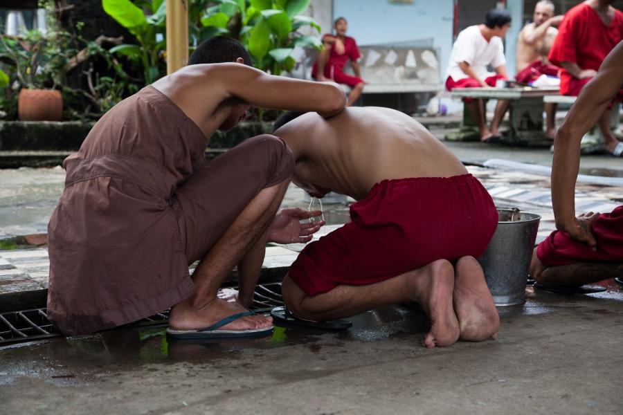 thamkrabok pusat rawatan pemulihan dadah percuma thailand selepas minum teh herba akan muntah