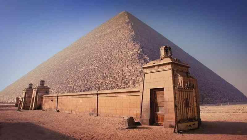 the great pyramid of khufu keajaiban dunia seven wonders