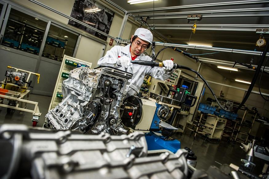 the takumi bertanggungjawab dalam pemasangan enjin nissan gtr
