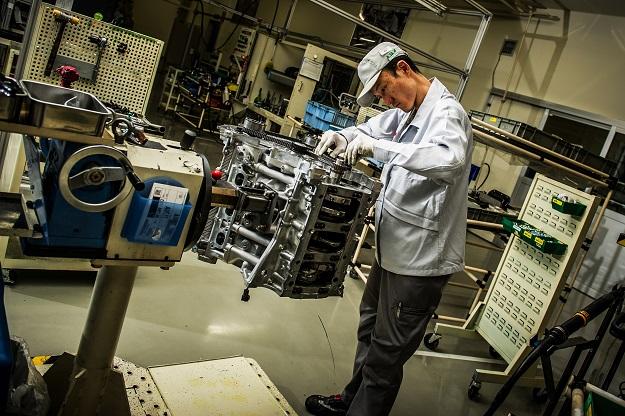 the takumi memberikan sepenuhnya dalam menghasilkan enjin nissan gtr