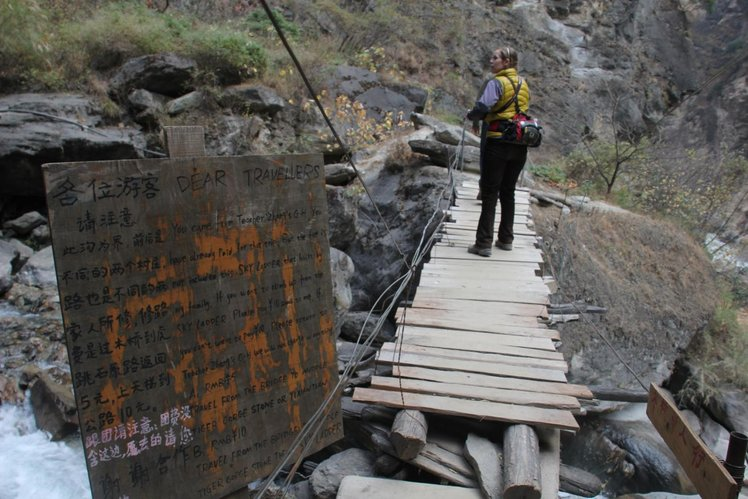 tiger leaping gorge jurang china tarikan outdoor ekstrem