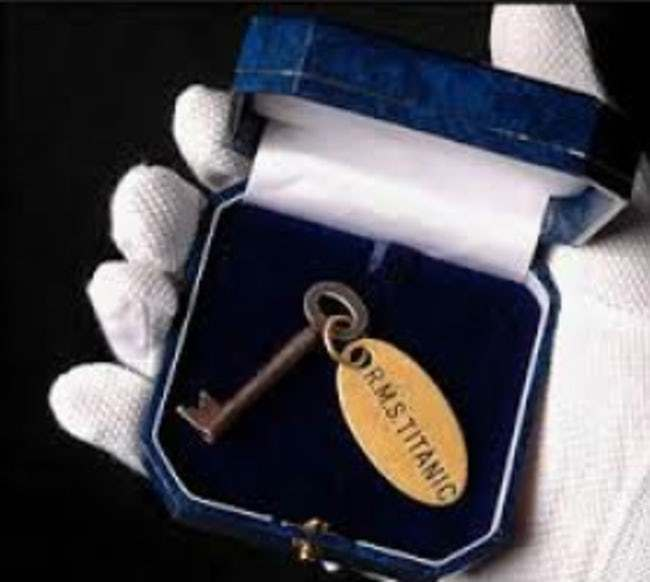 titanic kunci