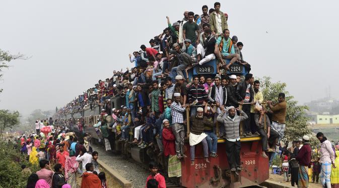 tradisi naik keretapi di india