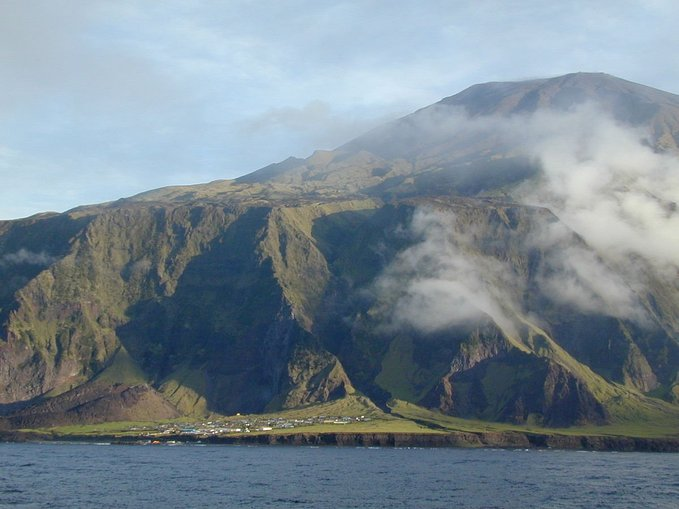 tristan da cunha pulau paling terasing terpencil di dunia 4