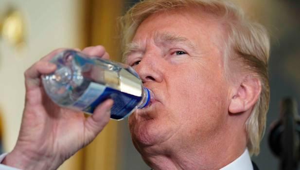 trump minum adab minum rasulullah