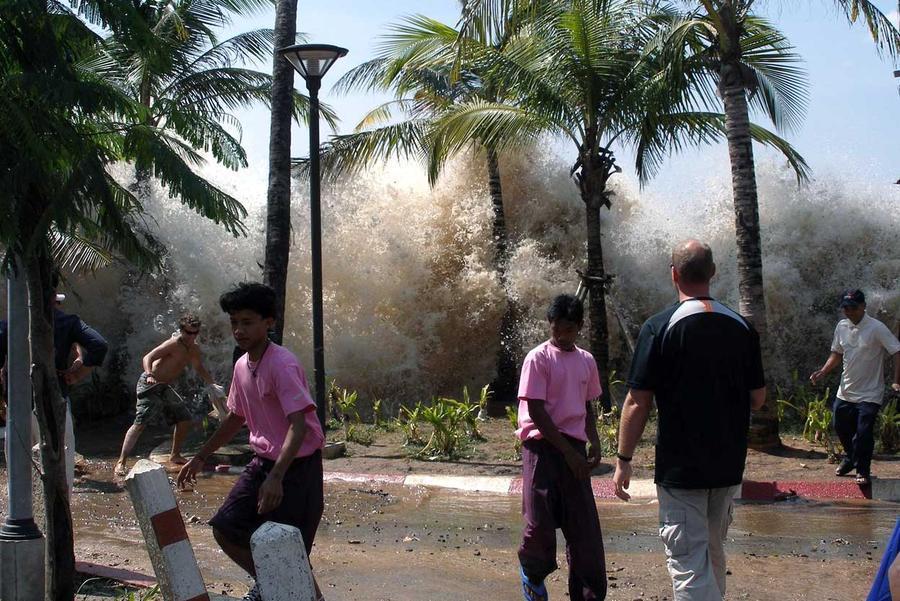 tsunami paling buruk teruk dalam sejarah rekod dunia gempa bumi sumatera indonesia 2