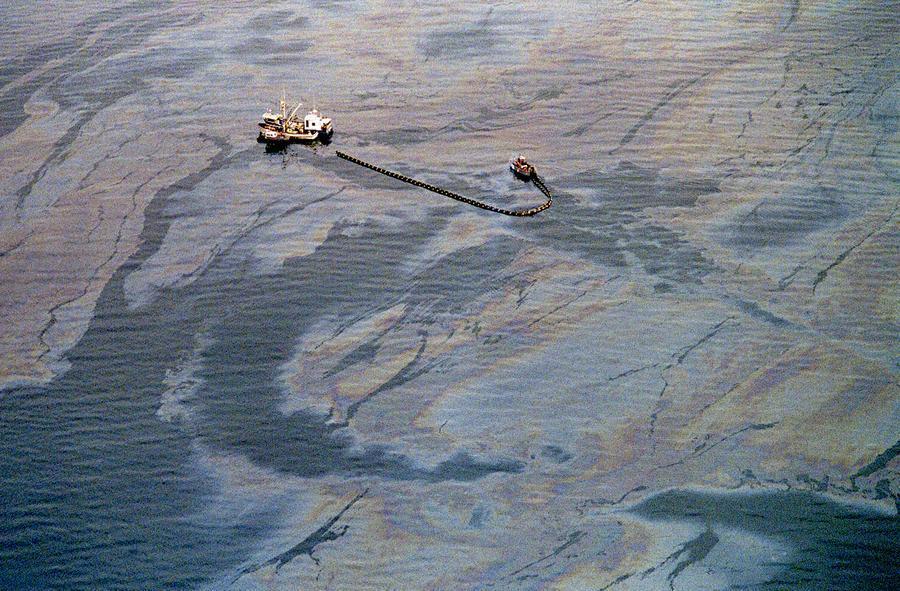 tumpahan minyak exxon valdez