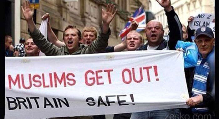 tunjuk perasaan bantah islam