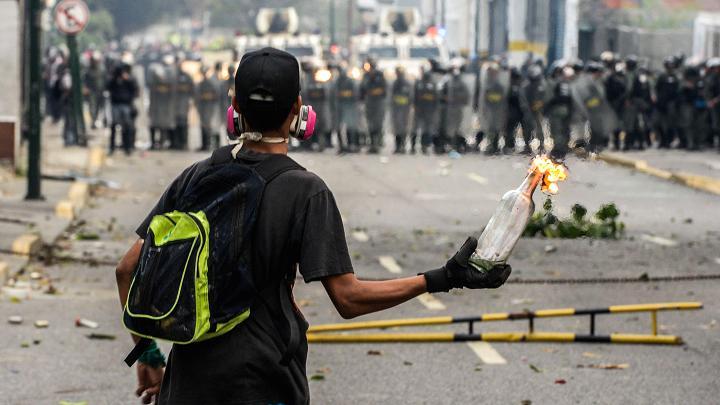 tunjuk perasaan di venezuela
