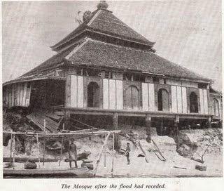 ubahsuai pertama masjid kampung laut
