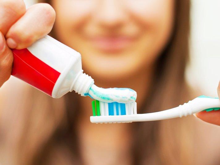 ubat gigi mungkin mengandungi bahan daripada khinzir