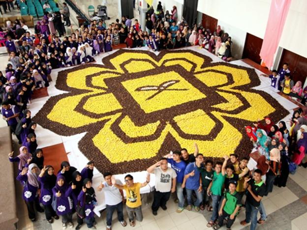 uia rekod donut logo terbesar malaysia book of records