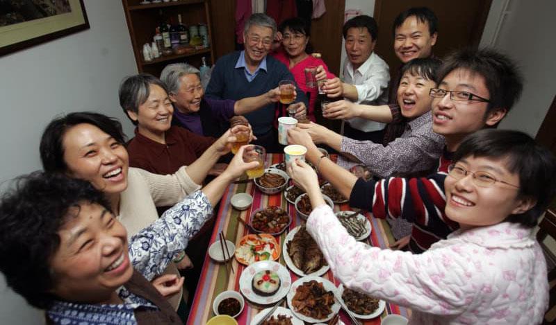 undang undang china mewajibkan anak anak melawat ibu bapa tua 2