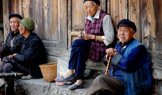 undang undang china mewajibkan anak anak melawat ibu bapa tua
