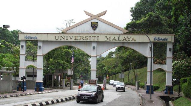 universiti malaya terbaik di malaysia