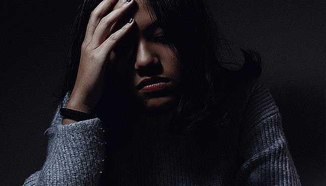 usia 35 hingga 45 tahun lebih kerap alami migrain 10 fakta tentang migrain yang anda perlu tahu 458