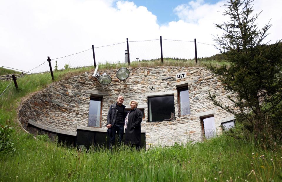 vals switzerland rumah bawah tanah