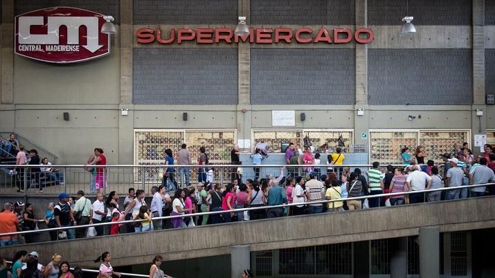 venezuela beratur panjang mencari kerja dan barangan