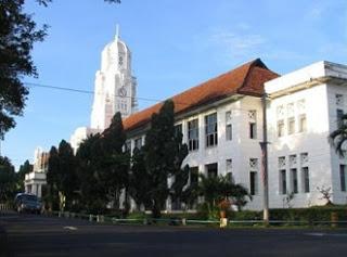 victoria institution di kuala lumpur yang ditubuhkan pada 1893 2