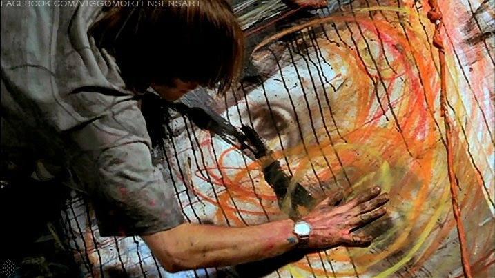 viggo mortensen sedang melukis