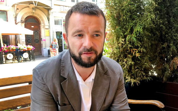 vitali shkliarov tak tahu berbahasa inggeris