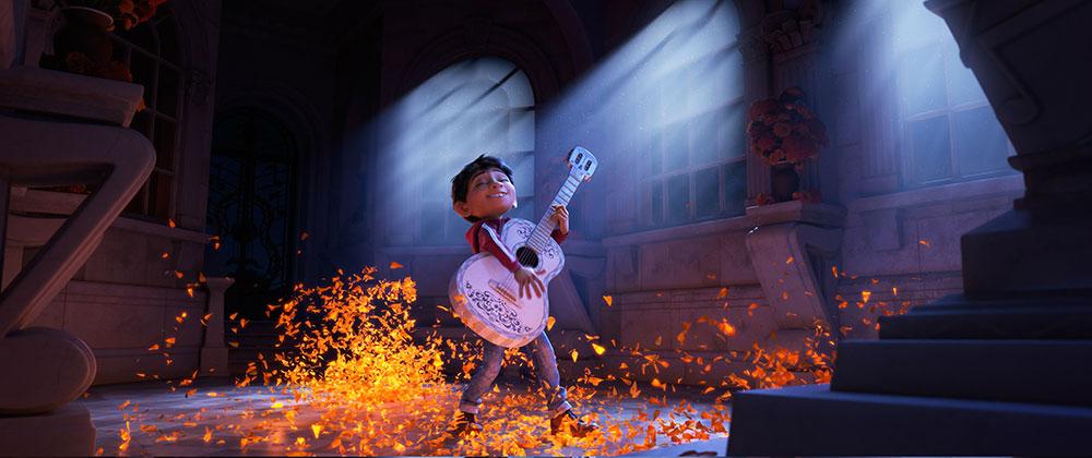 watak miguel memetik gitar dalam coco