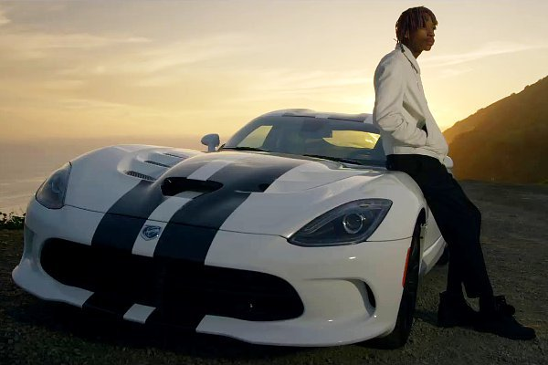 wiz khalifa dalam video see you again