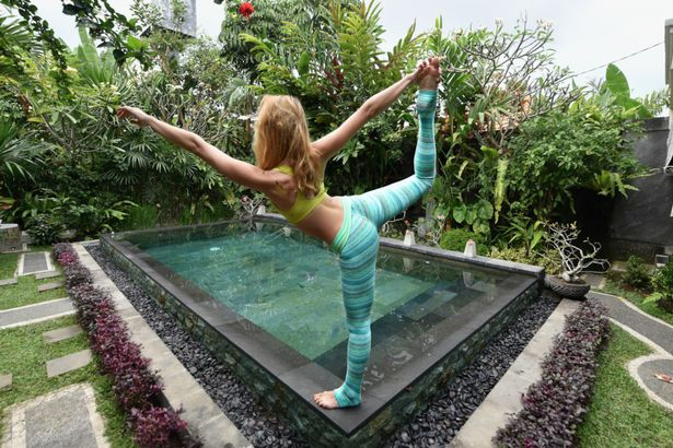 yoga di bali indonesia