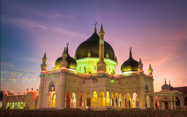 zahir mosque night 452