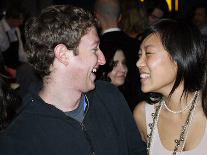 zaman mula berkenalan semasa parti fraterniti mark zuckerberg priscilla chan