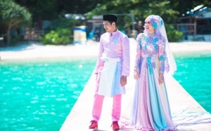 6 Foto Baju Pengantin 'Paddle Pop' Jadi Bualan Hangat Para Netizen