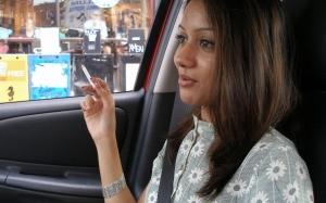 7 tips hilangkan bau rokok dalam kereta