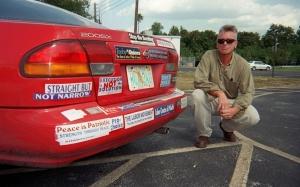 Benarkah Mereka Yang Suka Tampal Sticker Kereta Pemandu Agresif?