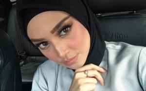 Foto Jejaka Tampan Kekasih Fathia Latiff Didedahkan?