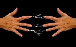 Mengapa Kita Terkena Renjatan Elektrik Kecil Apabila Bersentuhan ...