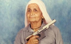 Nenek 84 tahun merupakan penembak tepat tertua di dunia