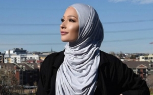 Nura Afia menjadi muslimah pertama duta CoverGirl