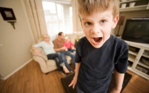 6 Kata-Kata Ibu Bapa Tak Patut Cakap Pada Anak-Anak