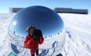 Pernah terfikir bagaimana suasana bekerja di Kutub Selatan?