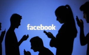 10 Tanda-Tanda Anda Ketagihan Facebook