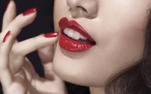 6 sebab 'Lipstick' merupakan produk kosmetik yang paling bahaya