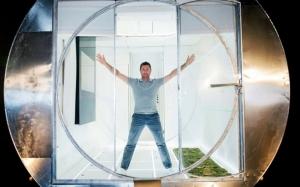 Rumah futuristik ini boleh berpusing 360 darjah seperti mesin bas...
